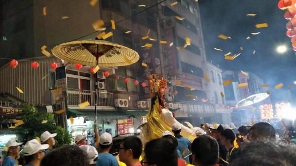 斗六昨天廟會遶境,規模盛大。(圖由黃傳玉提供)
