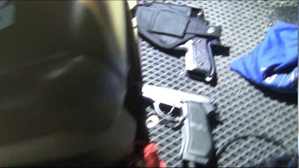 警方在羅嫌車上查獲改造手槍8發子彈。(記者王善嬿翻攝)