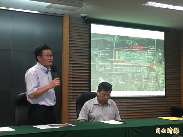 中油董事長陳金德、總經理劉晟熙說明大潭電廠供氣引起停電事件。(記者黃佩君攝)