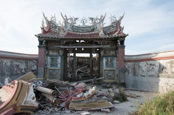 百餘年歷史的西吉宮,因乏人照顧,殘破相當迅速。(呂逸林提供)