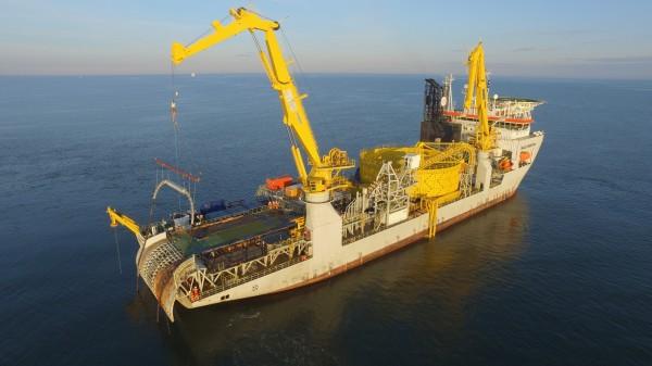 比利時海上風電總包商(EPC),於英國外海施工情形。(海洋重工提供)
