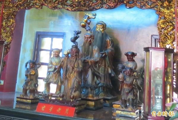 台中樂成宮月老殿是全台三大月老廟之一,終年求姻緣人氣不絕。(記者蘇孟娟攝)