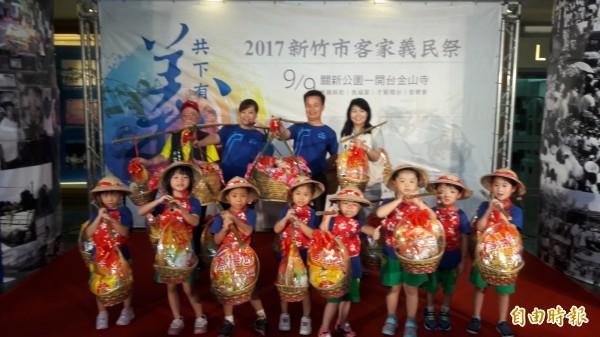 新竹市客家委員會委員吳慶杰建議將新竹市的客家里整合後,成為客家義民祭典的第16個獨立輪值區,這樣可凝聚竹市客家人的向心力。(記者洪美秀攝)
