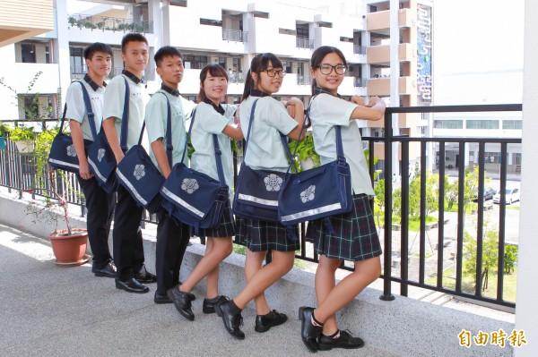 田中高中成立僅7年,校服設計跟校史一樣充滿年輕,有風格。(記者陳冠備攝)
