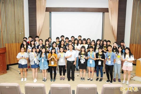 靜宜大學舉辦高中科學營,激發學生潛能。(記者歐素美攝)