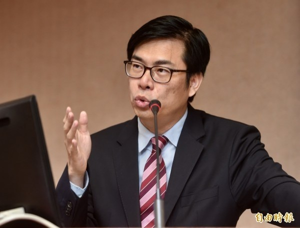 高中國文文言文比例仍維持45至55%,民進黨立委陳其邁質疑課審大會表決順序有瑕疵。(資料照,記者簡榮豐攝)