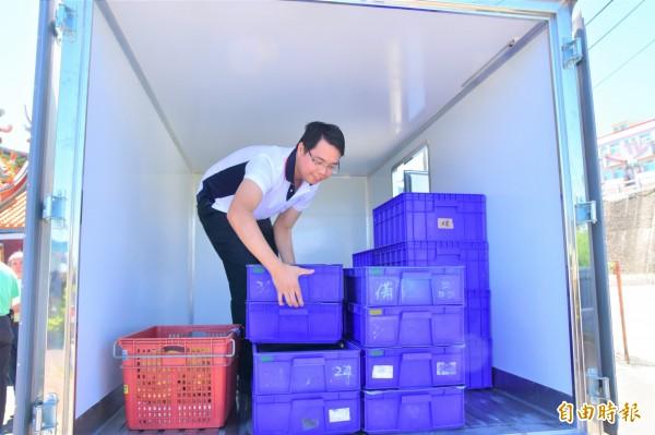 五結鄉的老人送餐,統一由膳食業者供應,每週一至週五固定送餐至社區據點。(記者張議晨攝)