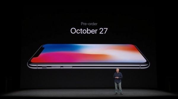 蘋果正式推出iPhone X,並預告在10月27日開放預購。(翻拍自蘋果官網)