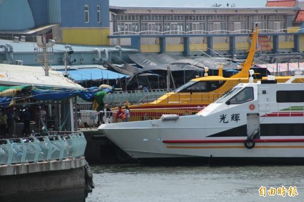 因泰利颱風北颺,東港小琉球航線回復正常行駛。(記者陳彥廷攝)