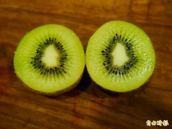 奇異果是低GI值食物之一。(記者林惠琴攝)