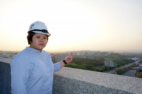市議員顏莉敏質疑市府無法有效解決空污問題。(顏莉敏提供)