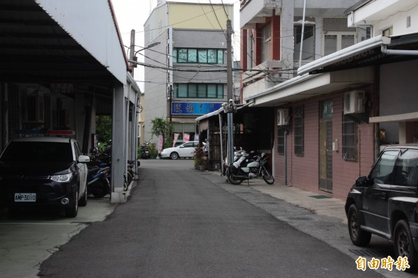 枋寮警分局完整性被道路切割。(記者陳彥廷攝)