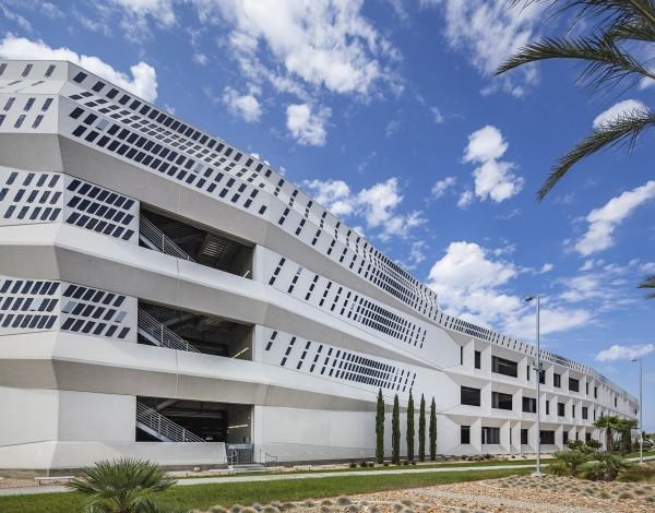 元太於聖地牙哥機場打造全球最大電子紙建築裝飾藝術。(元太提供)