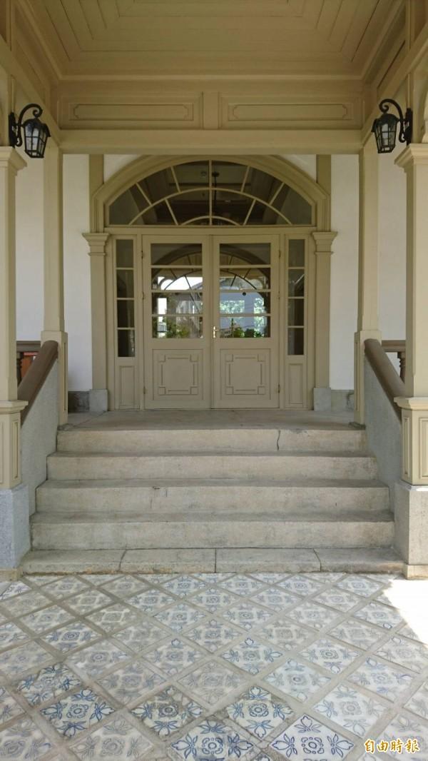 原台南廳長官邸古蹟,仍保留老地磚。(記者洪瑞琴攝)