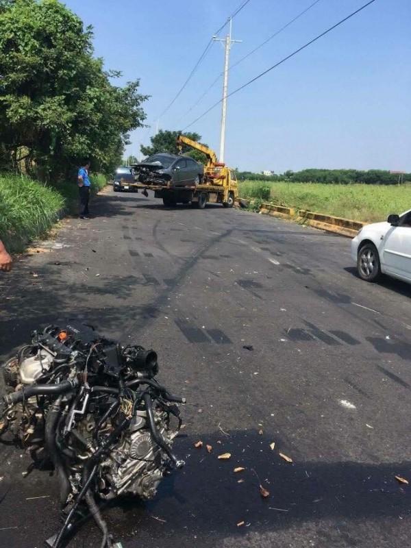 朴子溪防汛道路新港鄉安和村段發生自撞事故。(擷取自「綠豆嘉義人」網站)