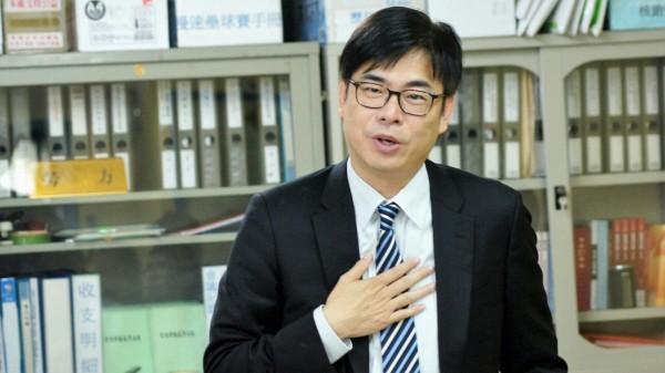 立委陳其邁表示,高雄是台積電新廠最好選擇。(陳其邁服務處提供)
