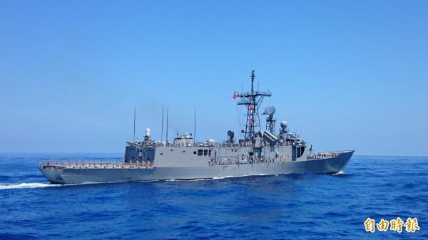 國防部目前正致力於對成功級軍艦進行船艙空間改裝及加裝,以讓更多女性官兵至艦上任職。圖為成功級巡防艦中的田單軍艦。(記者羅添斌攝)