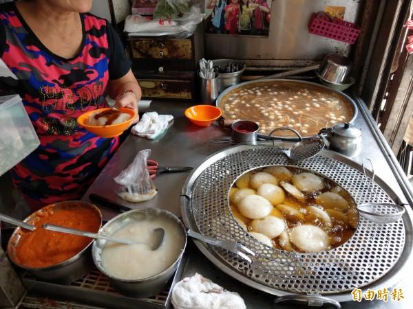「茂焱肉圓」是許多當地人從小吃到大的傳統美食,開店至今已經超過50年。(記者蔡政珉攝)