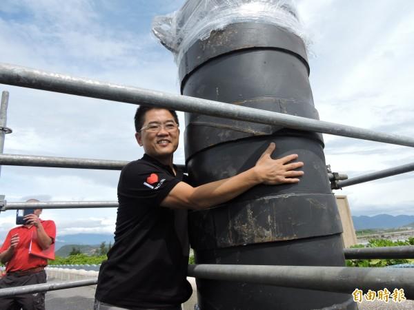 今年國慶焰火最大顆為24吋,在700公尺高空散布,範圍高達800公尺。(記者張存薇攝)