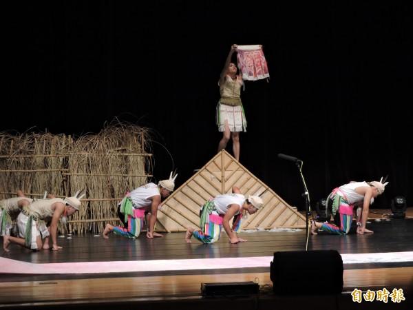 來自花蓮的玉里高中原舞隊或創新樂舞組亞軍。(記者張存薇攝)