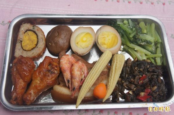 小步以中式餐盒為主,有別於西式糕點。(記者劉禹慶攝)
