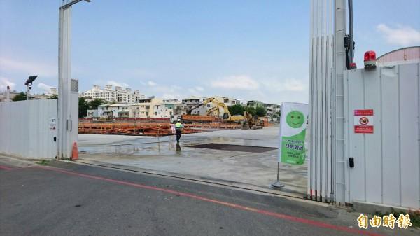 台南市環保局推動在營建工地設置空品旗。(記者劉婉君攝)