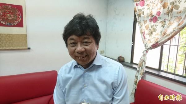 負責中部地區的選對會委員、行政院中辦執行長方昇茂受訪表示,目前黨部不排除任何人參選,但一定會找最有可能當選的人。(記者彭健禮攝)