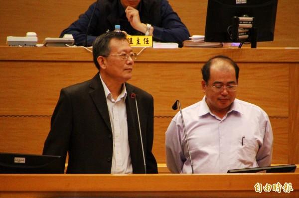 嘉義縣社會局長楊健人(右)及嘉義縣警局局長陳博珍(左)。(記者林宜樟攝)