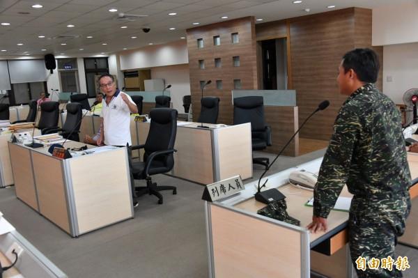 鎮代尤史經要求軍方正視演訓對當地長期影響。(記者蔡宗憲攝)