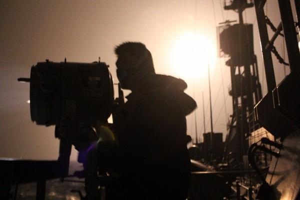 國防部官兵持續搜救飛官何子雨。(國防部提供)