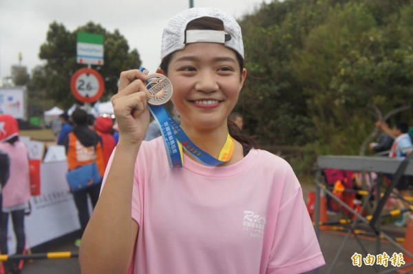 遠航空姐張倫平勇奪挑戰組女子組第二名,擺脫空姐是花瓶的刻板印象。(記者劉禹慶攝)
