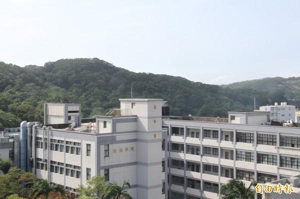 新竹市元培醫事科技大學附設醫院的預定地位在學校內群賢樓旁,將蓋建10層樓,300床的區域教學醫院。(記者洪美秀攝)