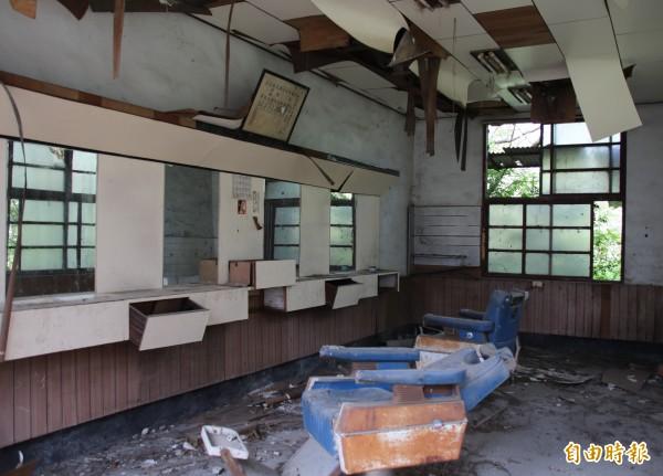 彰化榮民工廠,廠區設有理髮廳。(記者陳冠備攝)
