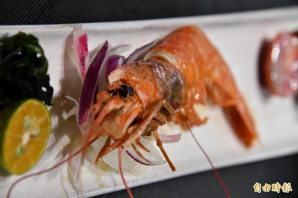 燒烤天使紅蝦。(記者蔡宗憲攝)