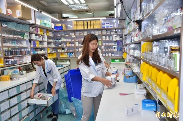 醫院開藥時,都有考量病人的狀況,給予合理、適當的劑量。(記者吳俊鋒攝)