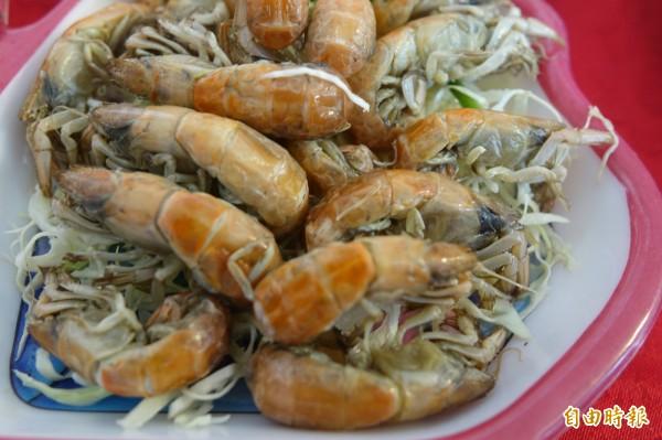 今年鹿港小吃宴,將首度把帶卵的母蝦猴入菜。(記者劉曉欣攝)