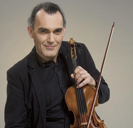 法國小提琴巨擘奧利弗.夏利耶將首度來台演出。(中山大學提供)
