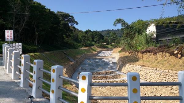 水利局完成新社區協成里聖普宮旁的野溪整治。(水利局提供)