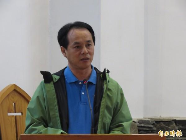 卑南鄉長許文獻贊成廢除鄉鎮市長及鄉民代表選舉。(記者黃明堂攝)
