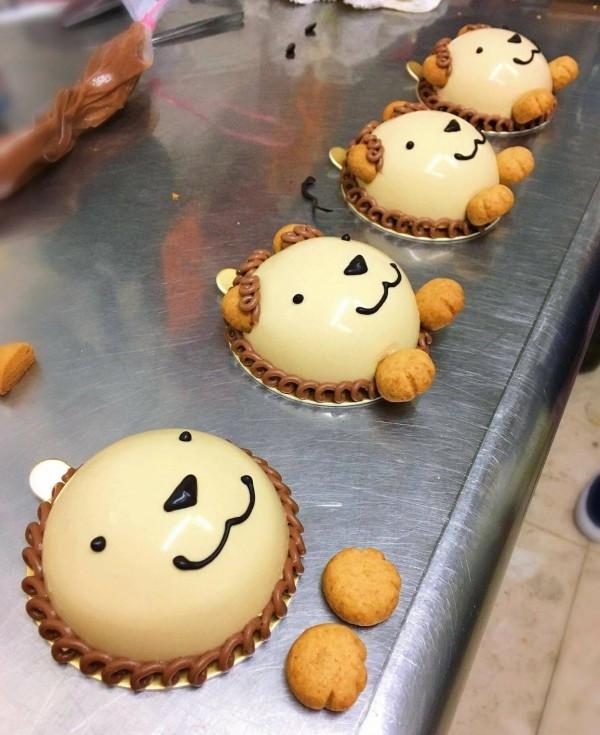 陳男製作的糕點每個造型都非常童趣且雅致。(擷自雅妃臉書,記者許國楨翻攝)