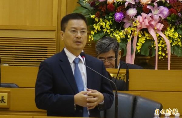 魏明谷強調,彰化興建火葬場刻不容緩,將會持續與地方溝通。(記者劉曉欣攝)