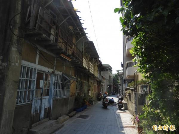清水寺街有木造屋保留時光記憶。(記者洪瑞琴攝)
