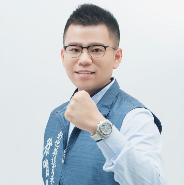28歲的徐唯勝表態競選下一屆彰化縣議員,今晨不明原因猝死家中。(翻攝徐唯勝臉書)