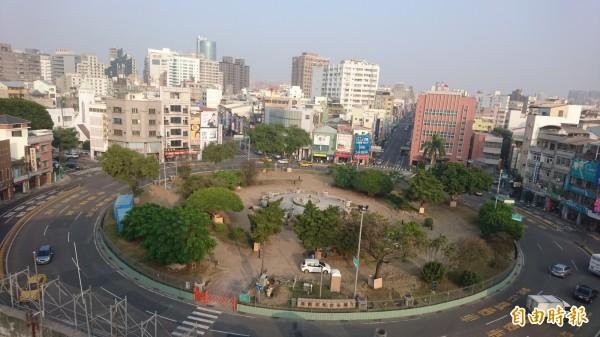 從高塔俯瞰府城舊城區。(記者劉婉君攝)