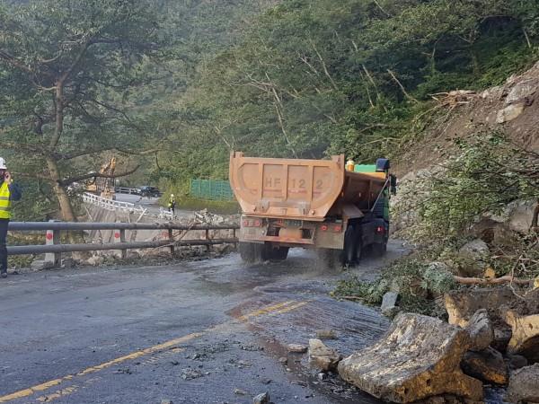 蘇花公路114.37K(九宮里路段),今上午完成搶修後,開放通車。(記者張議晨翻攝)