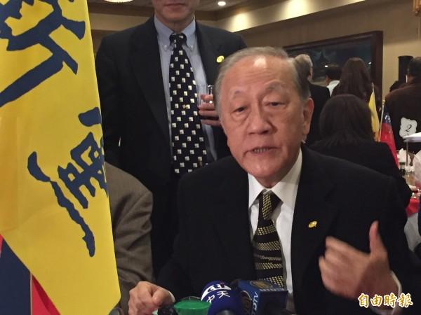 (記者曹郁芬攝)新黨主席郁慕明今天在華府的僑界演說中表示,新黨支持柯P是有謀略的