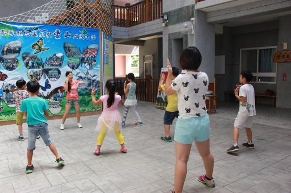 阿里山鄉豐山國小是實驗教育學校。(豐山國小提供)