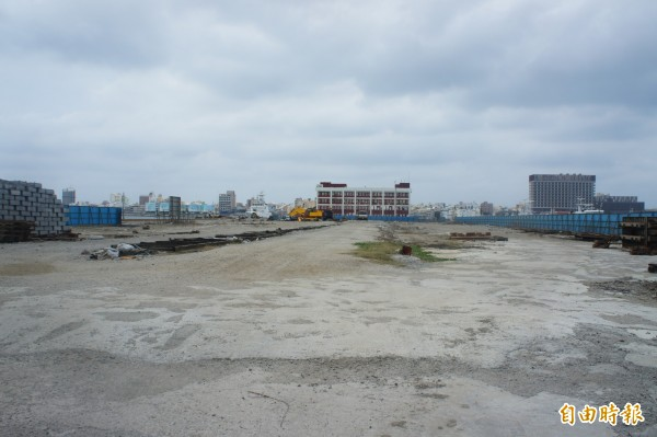 新馬公加油站預定地在澎湖海巡隊後方,屬於海埔新生地。(記者劉禹慶攝)