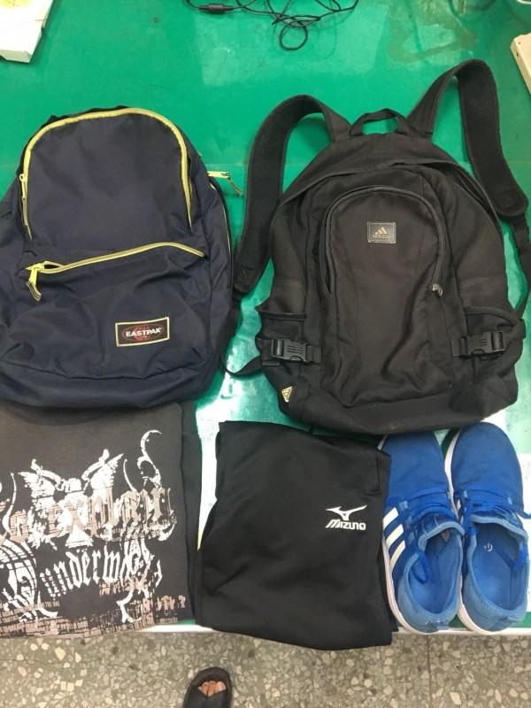 校園之盜落網時起出做案時的背包與贓物。(記者蔡宗勳翻攝)