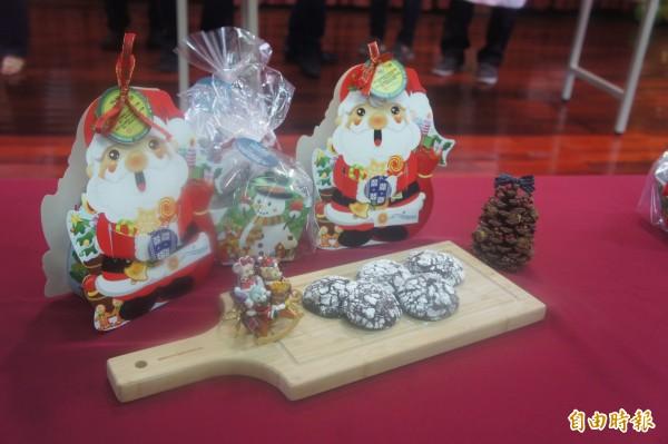 魔豆小舖首度推出冠名商品,與知名飯店業者推出聯名聖誕商品。(記者劉禹慶攝)